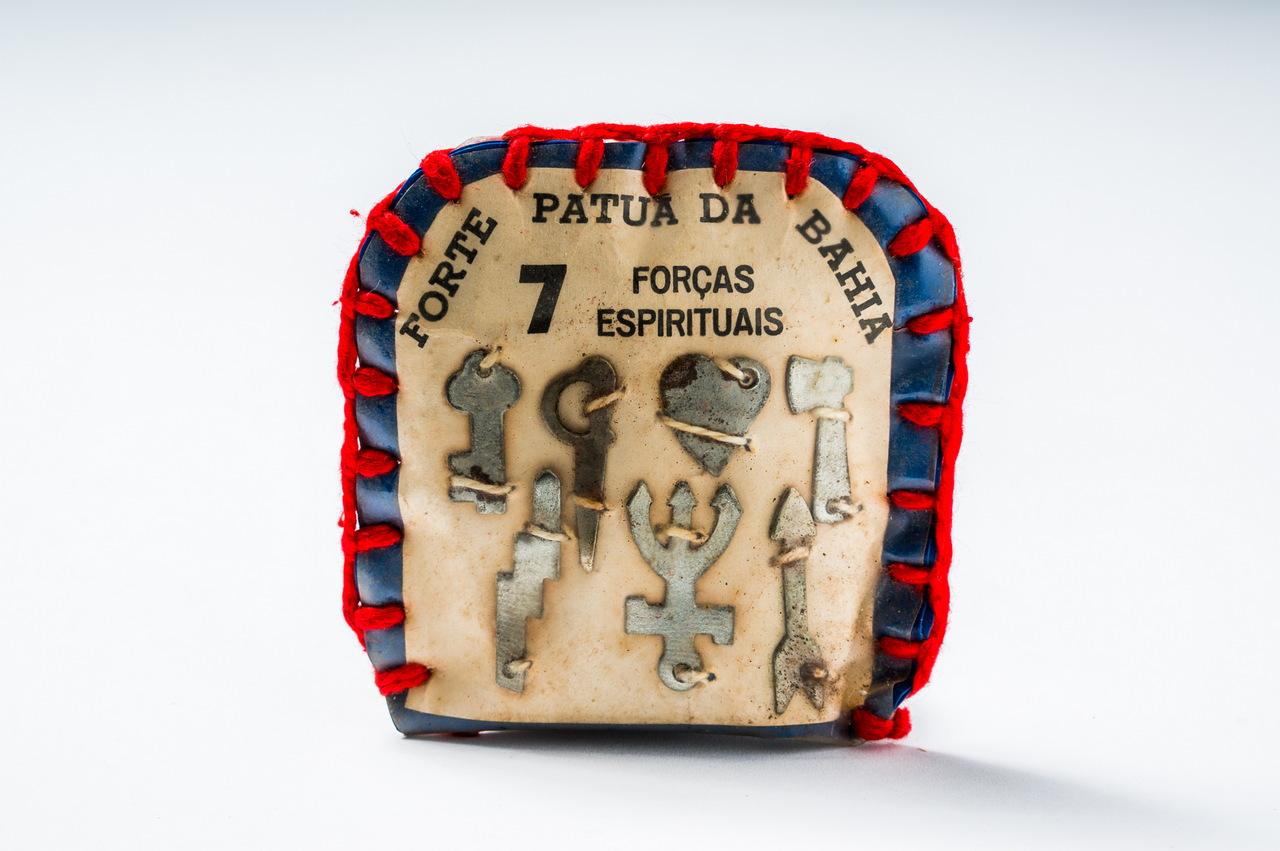 Amuleto das Sete Forças Espirituais. Procedente da Bahia.