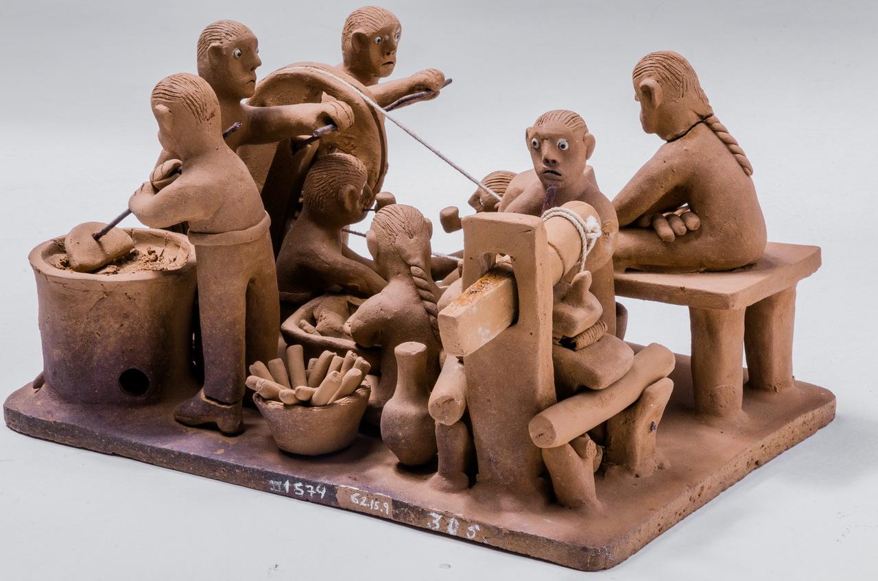 Escultura de Mestre Vitalino. Fabricação de Farinha de Mandioca, Pernambuco, 1963.